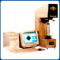 Computerised Vickers Hardness Tester